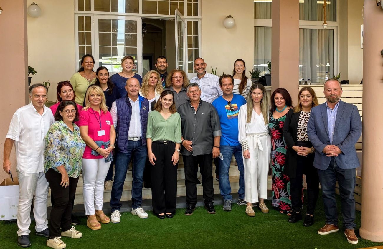 Participants and organizers in the preview 'Taste of Loutraki', which took place over the weekend in the popular coast town of Loutraki.