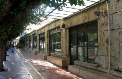 Mayor Kaklamanis has requested to use the premises of two of the closed down florist venues near Parliament on Vasilissis Sofias avenue to create tourist information booths.
