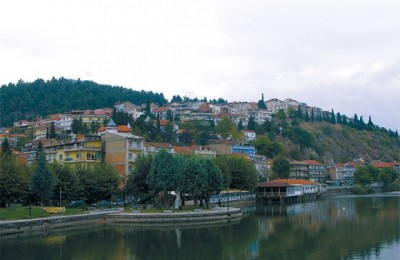 A boat ride on Lake Kastoria can offer views of the city that boasts the famous Kastoria Mansions and Byzantine churches.