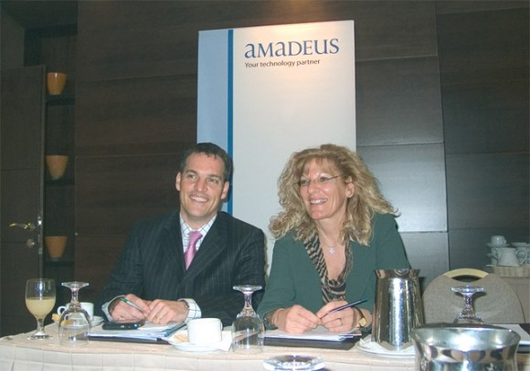 Edward Ross, director of corporate and marketing communication of Amadeus, with Eva Karamanou, general manager of Amadeus in Greece.