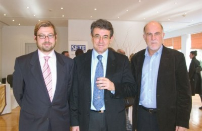 Alexander Panagopoulos of Attica Enterprises, SETE President Stavros Andreadis, and George Vernikos of Vernikos Yachts.