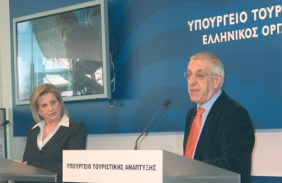Tourism Development Minister Fanni Palli-Petralia with Athens Mayor Nikitas Kaklamanis.