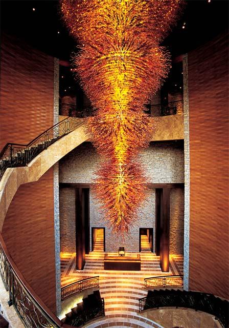 The hand-blown glass chandelier by artist Cernovska Miroslava that decorates the base station lobby.
