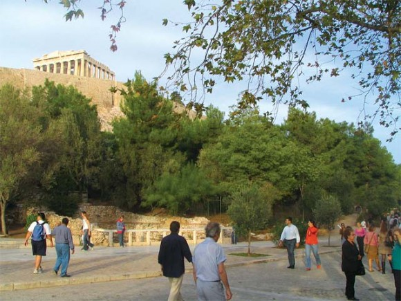 The Acropolis was closed, during the weekend of 21-22 July, due to the Panhellenic Union of Staff for the Guarding of Antiquities's strike.